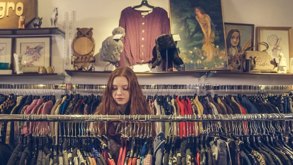 How to Become a Costume Buyer